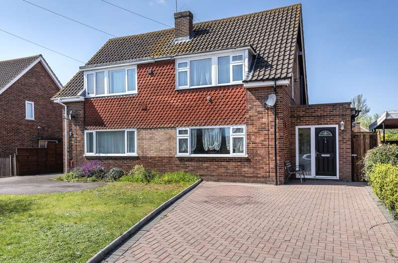 3 Bedrooms Semi Detached House for sale in Sherborne Close, Colnbrook, SL3