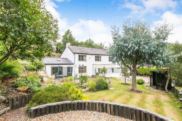 4 Bedrooms Detached House for sale in Carden Road, Moss, Wrexham