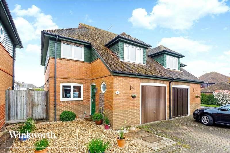 3 Bedrooms Semi Detached House for sale in Harvest Green, Newbury, Berkshire, RG14