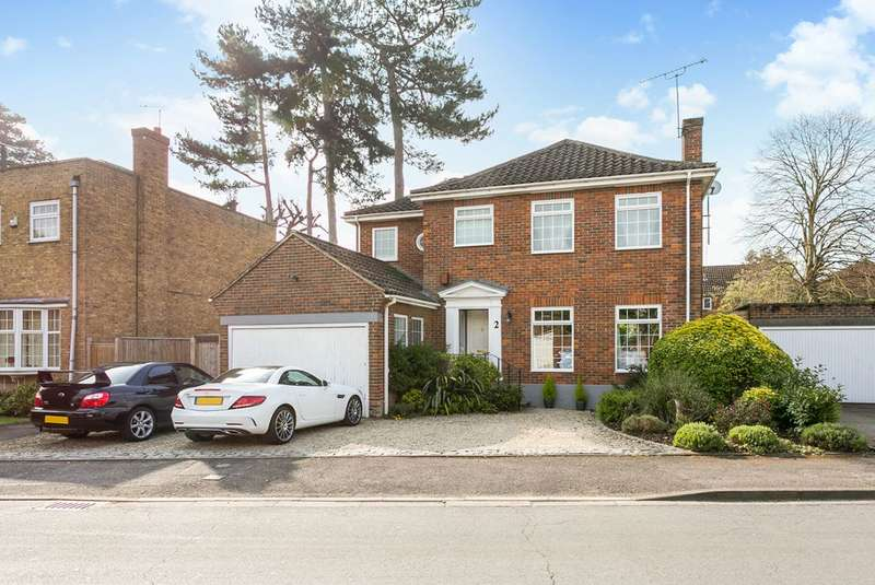 4 Bedrooms Detached House for sale in Sought after Oldfield School catchment, The Farthingales, Maidenhead, Berks
