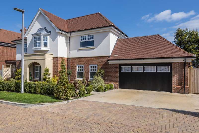 5 Bedrooms Detached House for sale in Mayfield Place, Windsor, SL4
