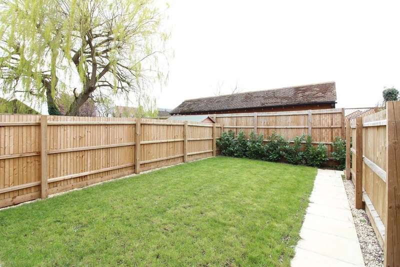 3 Bedrooms End Of Terrace House for sale in West Close, Clifton, SG17