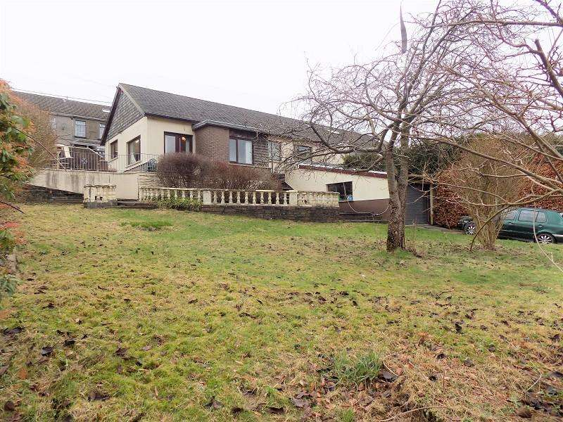 3 Bedrooms Semi Detached Bungalow for sale in Vicarage Terrace, Cwmparc, Treorchy, Rhondda Cynon Taff. CF42 6NA