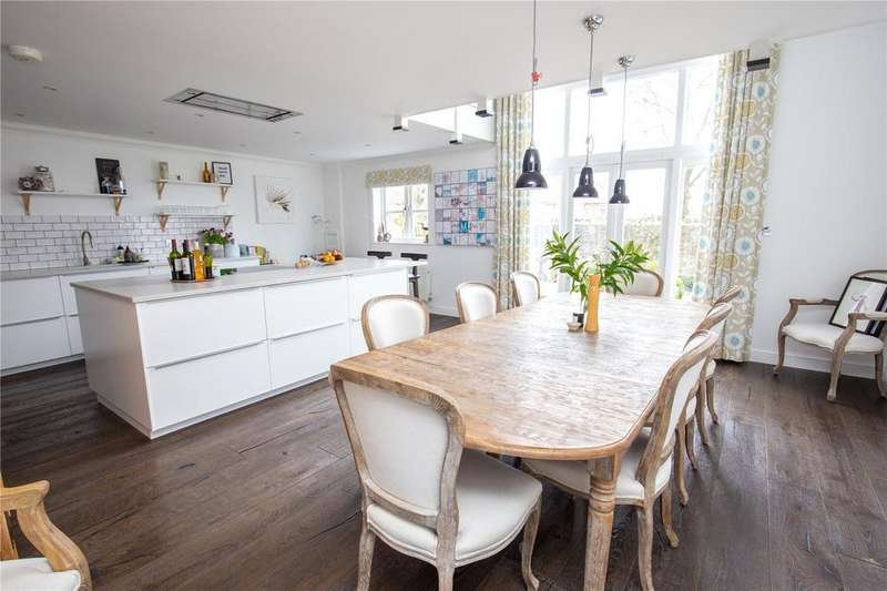 4 Bedrooms Terraced House for sale in Strathearn Drive, Bristol, BS10