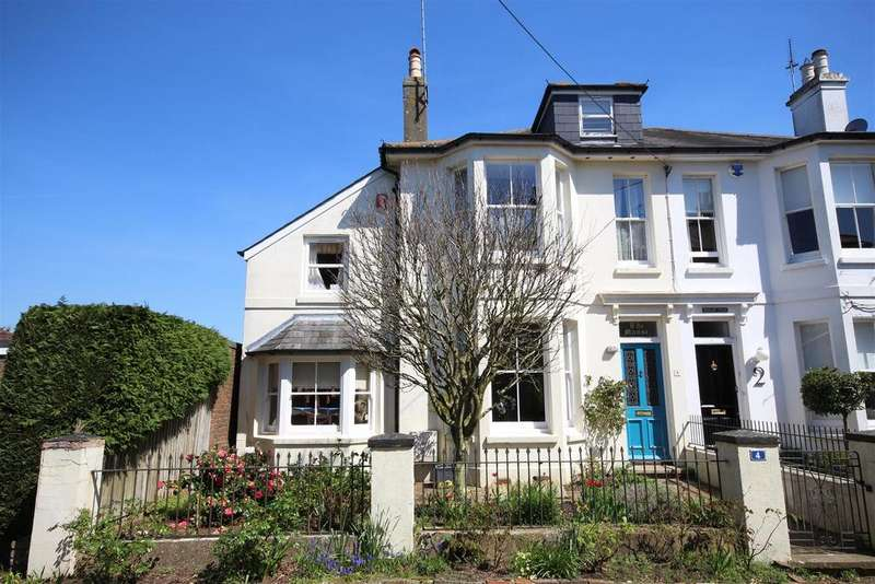 4 Bedrooms Semi Detached House for sale in Croft Lane, Henfield