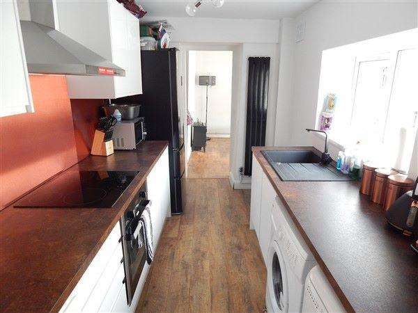 2 Bedrooms Terraced House for sale in Abertillery Road, Blaina, NP13 3DW