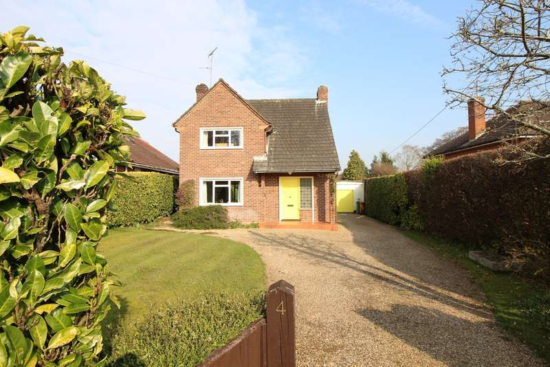 3 Bedrooms Detached House for sale in Grove Road, Sonning Common, RG4