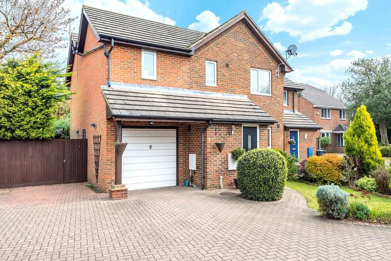 4 Bedrooms Semi Detached House for sale in Kimberwell Close, Toddington, LU5
