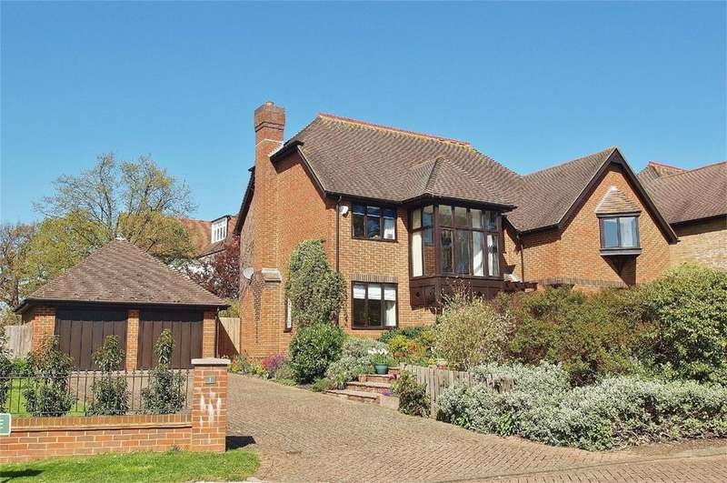 5 Bedrooms Detached House for sale in Courtenay Drive, Beckenham, Kent