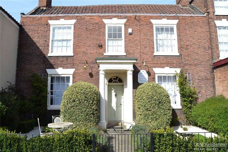 3 Bedrooms Detached House for sale in High Street, Barton Upon Humber, North Lincolnshire, DN18