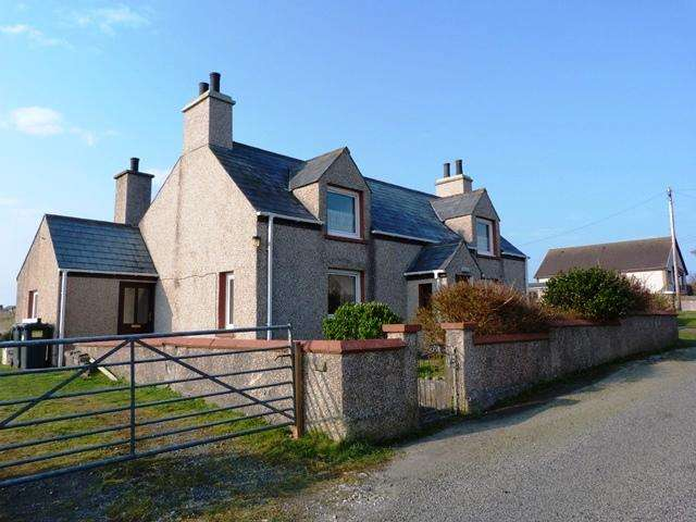 3 Bedrooms House for sale in 30 South Dell, Ness, Isle of Lewis HS2
