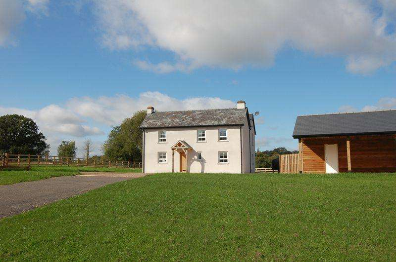 4 Bedrooms Farm House Character Property for sale in Farmhouse, Tregare, Monmouth