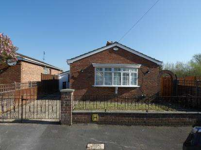 2 Bedrooms Bungalow for sale in Stoneham, Southampton, Hampshire