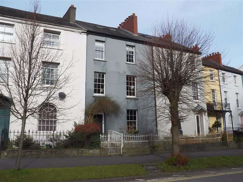 4 Bedrooms Terraced House for sale in Picton Terrace, Carmarthen