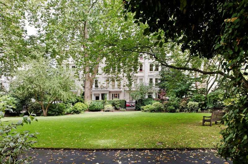 3 Bedrooms Flat for sale in Cornwall Gardens, South Kensington SW7