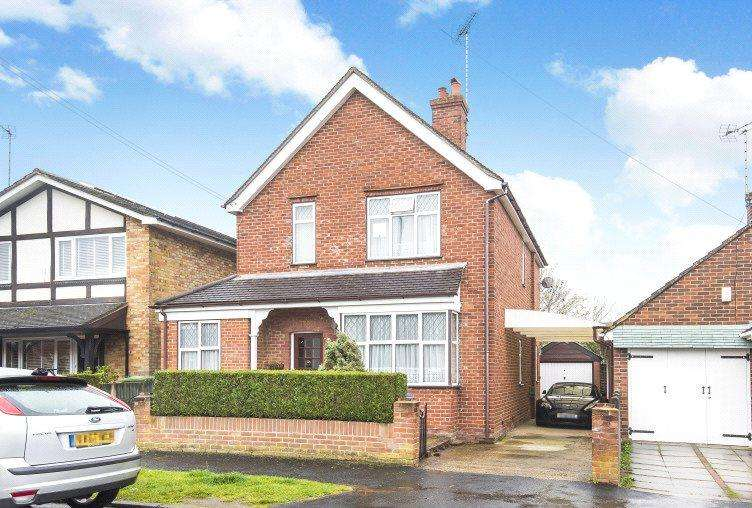 4 Bedrooms Detached House for sale in Florence Road, College Town, Sandhurst, Berkshire, GU47