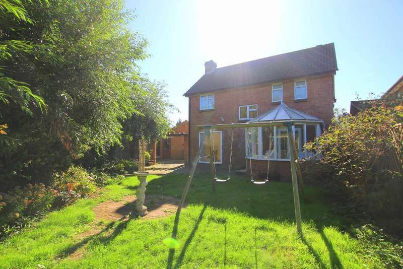 4 Bedrooms Detached House for sale in Bradshaws Close, Barton-Le-Clay, Bedfordshire, MK45 4JS