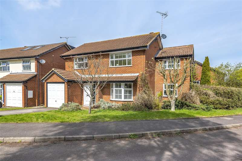 4 Bedrooms Detached House for sale in Snowberry Close, Wokingham, Berkshire, RG41