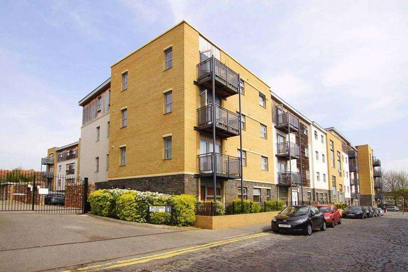 2 Bedrooms Apartment Flat for sale in Talavera Close, BristolBS2 0EF