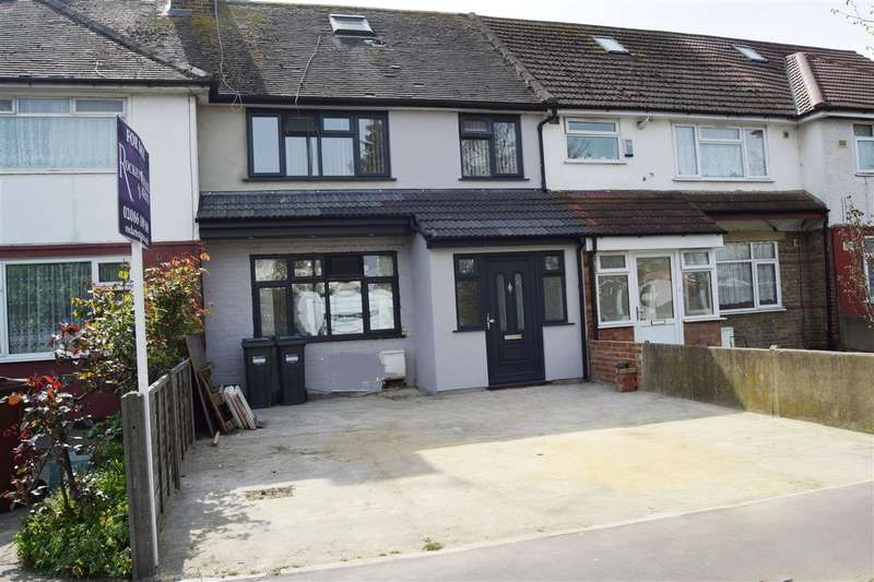 3 Bedrooms Terraced House for sale in Staines Rd, Feltham