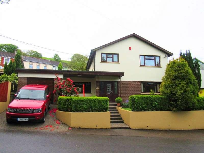 3 Bedrooms Detached House for sale in Cwmfelin, Maesteg, Bridgend. CF34 9HH