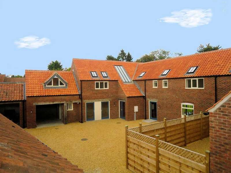 4 Bedrooms House for sale in Flaxton, York