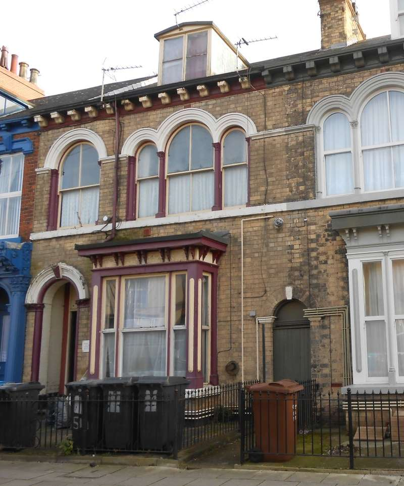 5 Bedrooms Terraced House for sale in Coltman Street, Hull, North Humberside, HU3 2SG