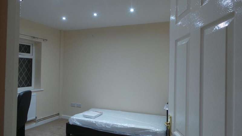 7 Bedrooms House for rent in Charter Avenue, Canley, Coventry