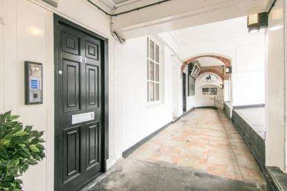 1 Bedroom Flat for sale in Eastgate Row, 21 Eastgate Row North, Chester, CH1