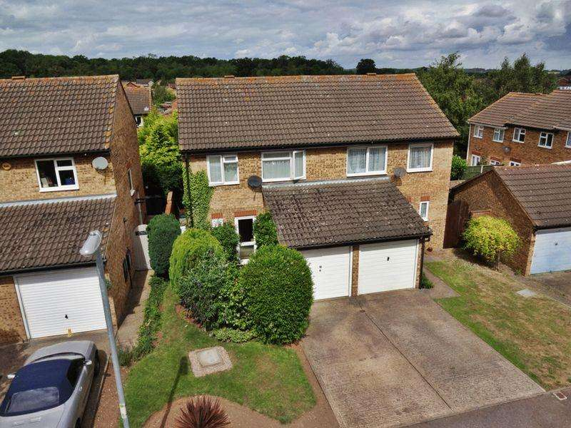 3 Bedrooms Semi Detached House for sale in Nene Road, Flitwick