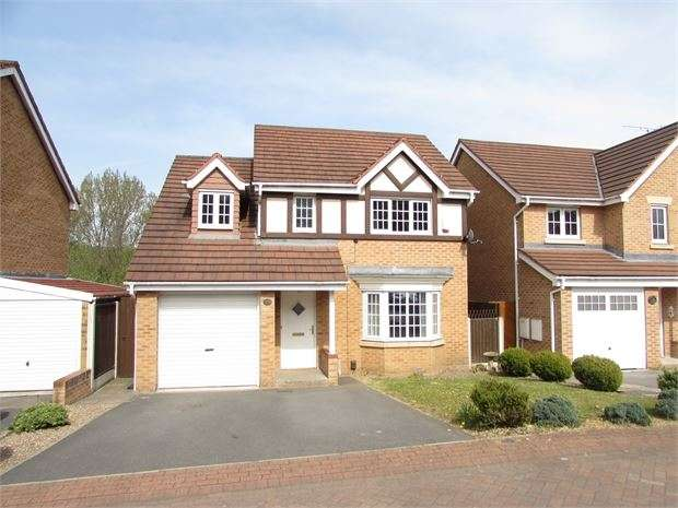 4 Bedrooms Detached House for sale in Moat House Way, Conisbrough, DN12 3GF