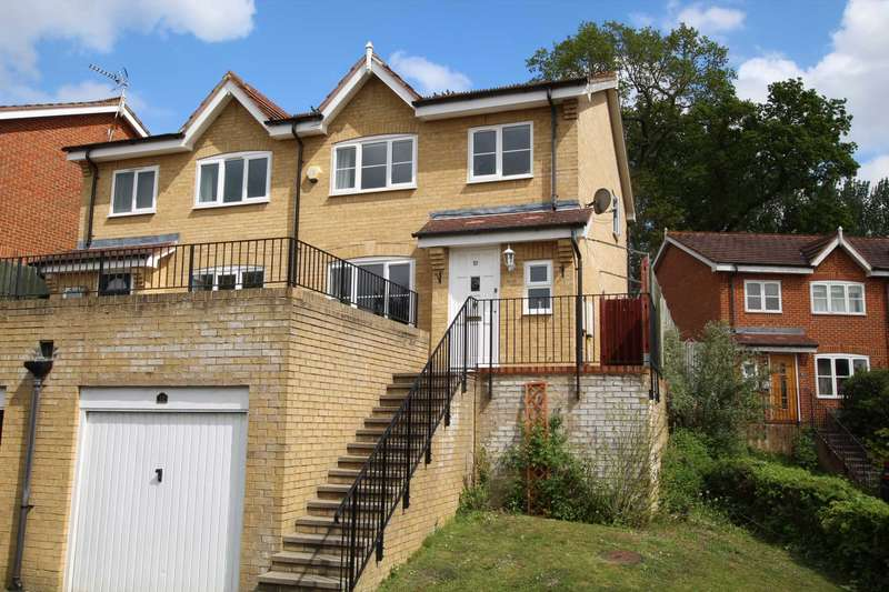 3 Bedrooms Semi Detached House for sale in Morlais, Emmer Green