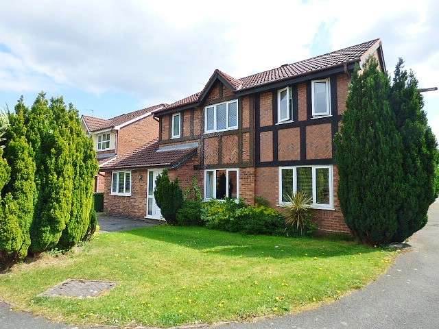 4 Bedrooms Detached House for sale in Harrogate Close, Great Sankey, Warrington