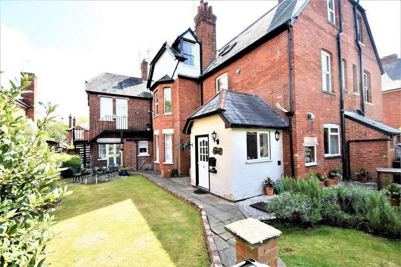 1 Bedroom Flat for sale in 14 The Avenue, CAMBERLEY, Surrey