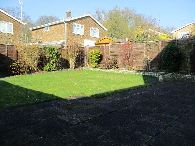 4 Bedrooms Detached House for sale in Brompton Close LU3