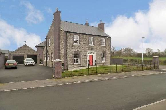4 Bedrooms Property for sale in 19 Farriers Green, Carnreagh, Hillsborough