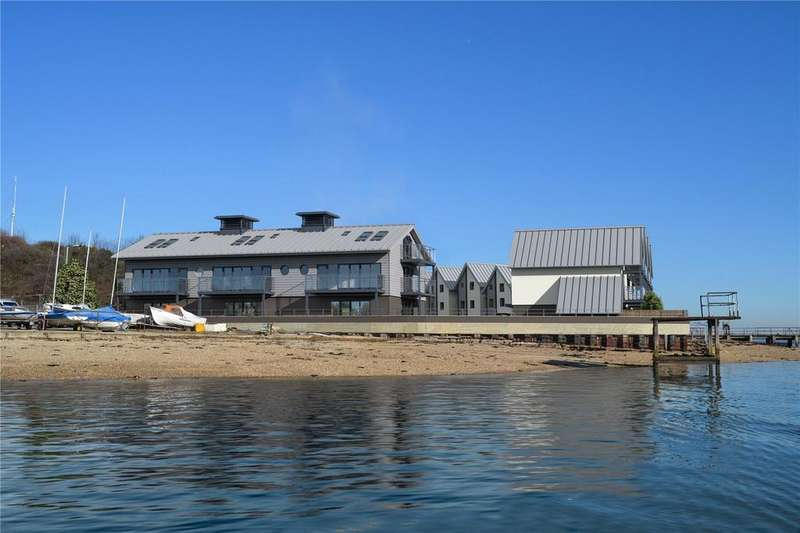 3 Bedrooms Link Detached House for sale in Admiralty Pier, King Edward VII Drive, Shotley, Ipswich, IP9