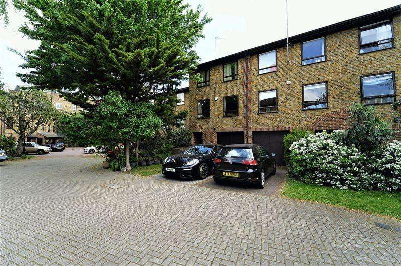 4 Bedrooms Mews House for sale in FREEHOLD MEWS HOUSE - SECURE GATED DEVELOPMENT