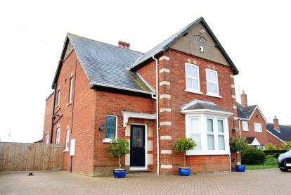 4 Bedrooms Detached House for sale in Gedney Dyke, Spalding