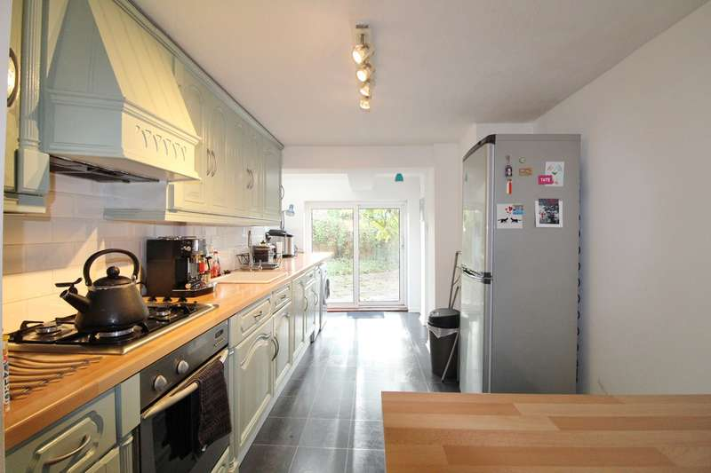 2 Bedrooms Terraced House for sale in Bethesda Place, Rogerstone, Newport, NP10