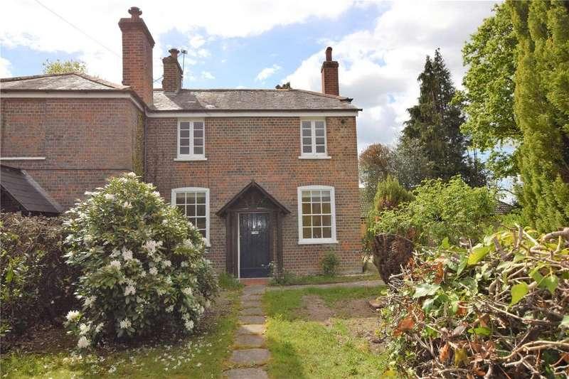 2 Bedrooms Semi Detached House for rent in Victoria Cottages, Camp Road, Ufton Nervet, RG7