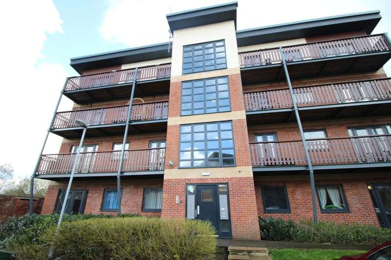 2 Bedrooms Flat for sale in Canalside, Radcliffe, Manchester, M26