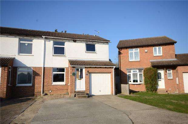3 Bedrooms Semi Detached House for sale in Hatfield Court, Calcot, Reading