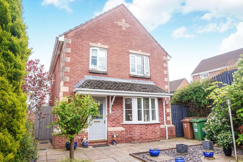 4 Bedrooms Detached House for sale in Rhodfa Glascoed, Blackwood, NP12