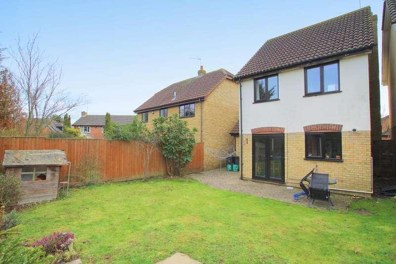 3 Bedrooms Detached House for sale in Tavistock Avenue, Ampthill, Bedfordshire, MK45 2RY