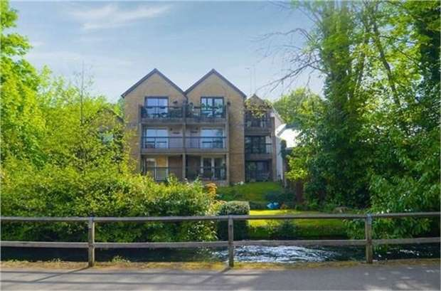 2 Bedrooms Flat for sale in Chesil Street, Winchester, Hampshire