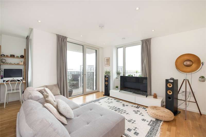 2 Bedrooms Flat for sale in Lucia Heights, 23 Logan Close, E20