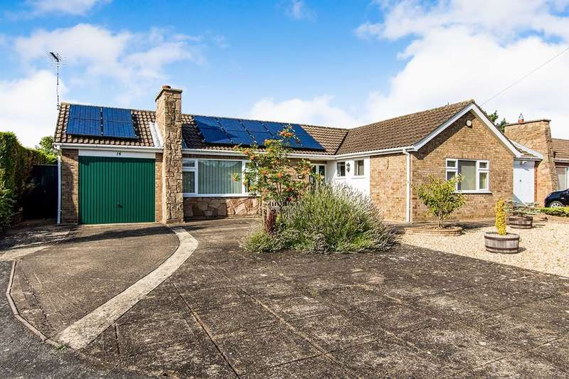 2 Bedrooms Detached Bungalow for sale in Exmoor Close, North Hykeham, Lincoln, LN6