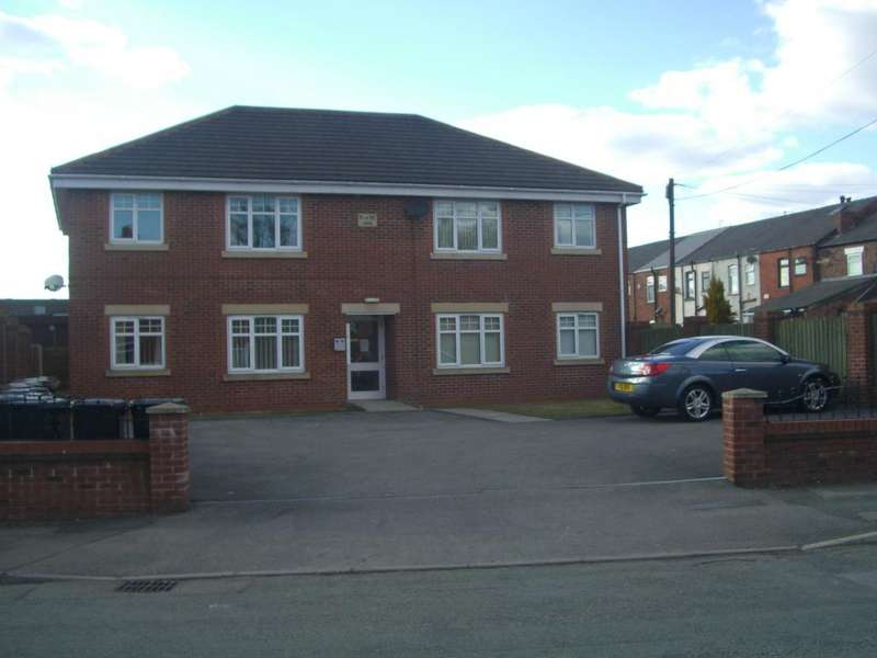 2 Bedrooms Flat for sale in Park Road, Hindley, Wigan WN2