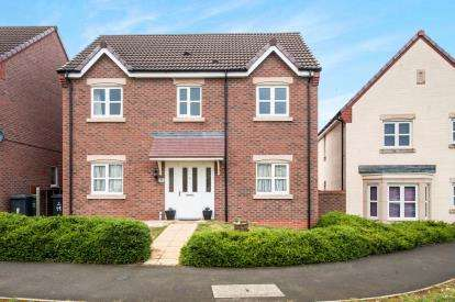4 Bedrooms Detached House for sale in Farnborough Close Kingsway, Quedgeley, Gloucester, Gloucestershire